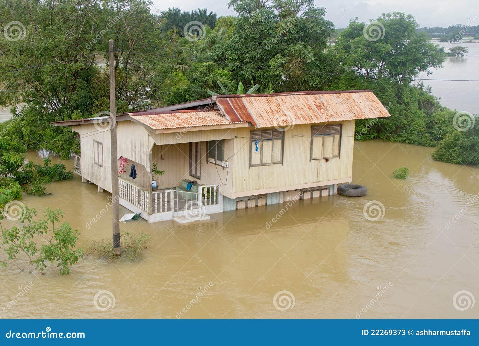 洪水之家在Pasir Mas中
