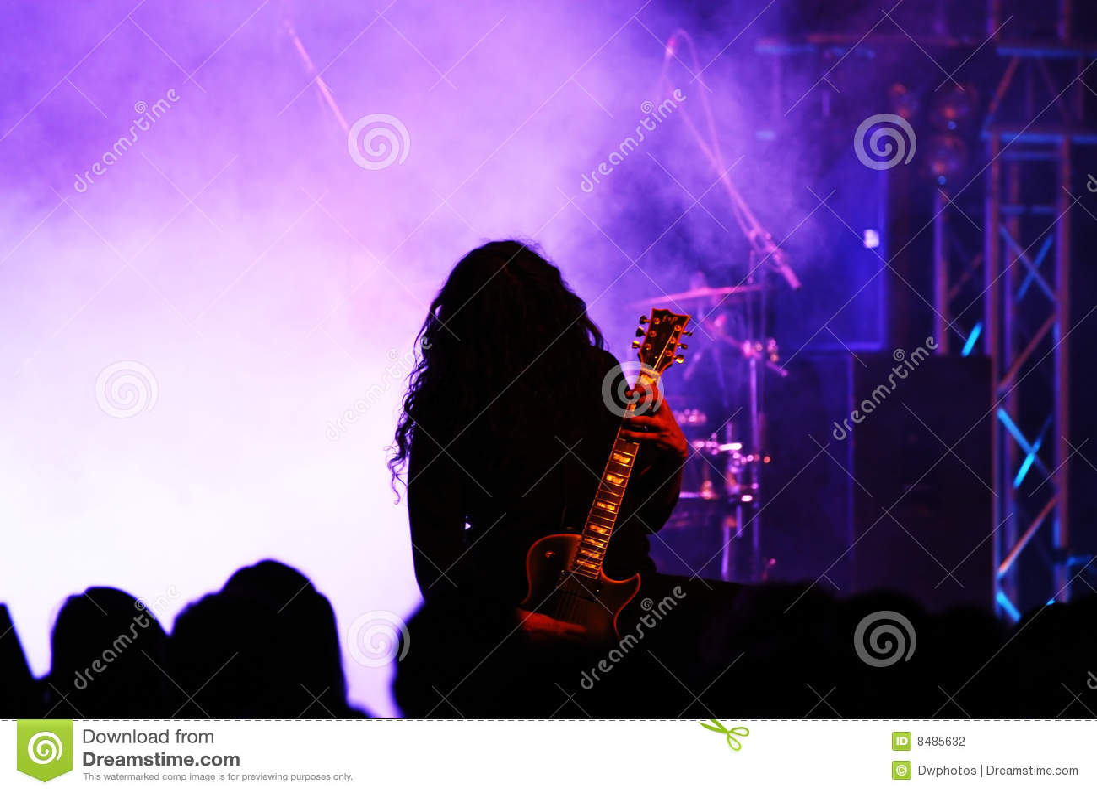 活动吉他演奏员