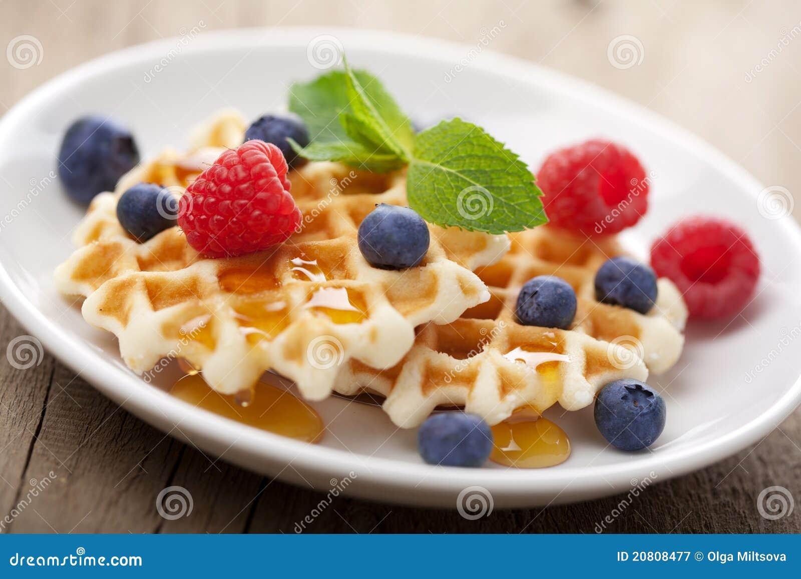 浆果蜂蜜奶蛋烘饼