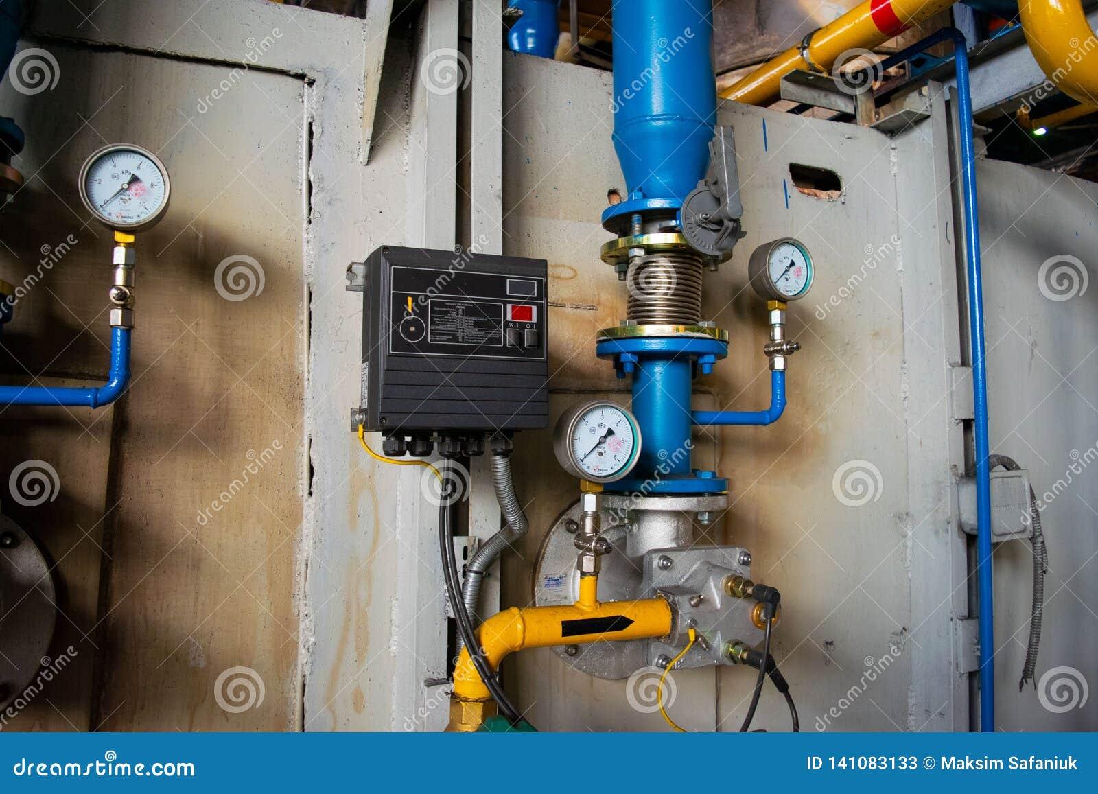 测量仪在热导管附近的锅炉室有绝缘材料涂层的