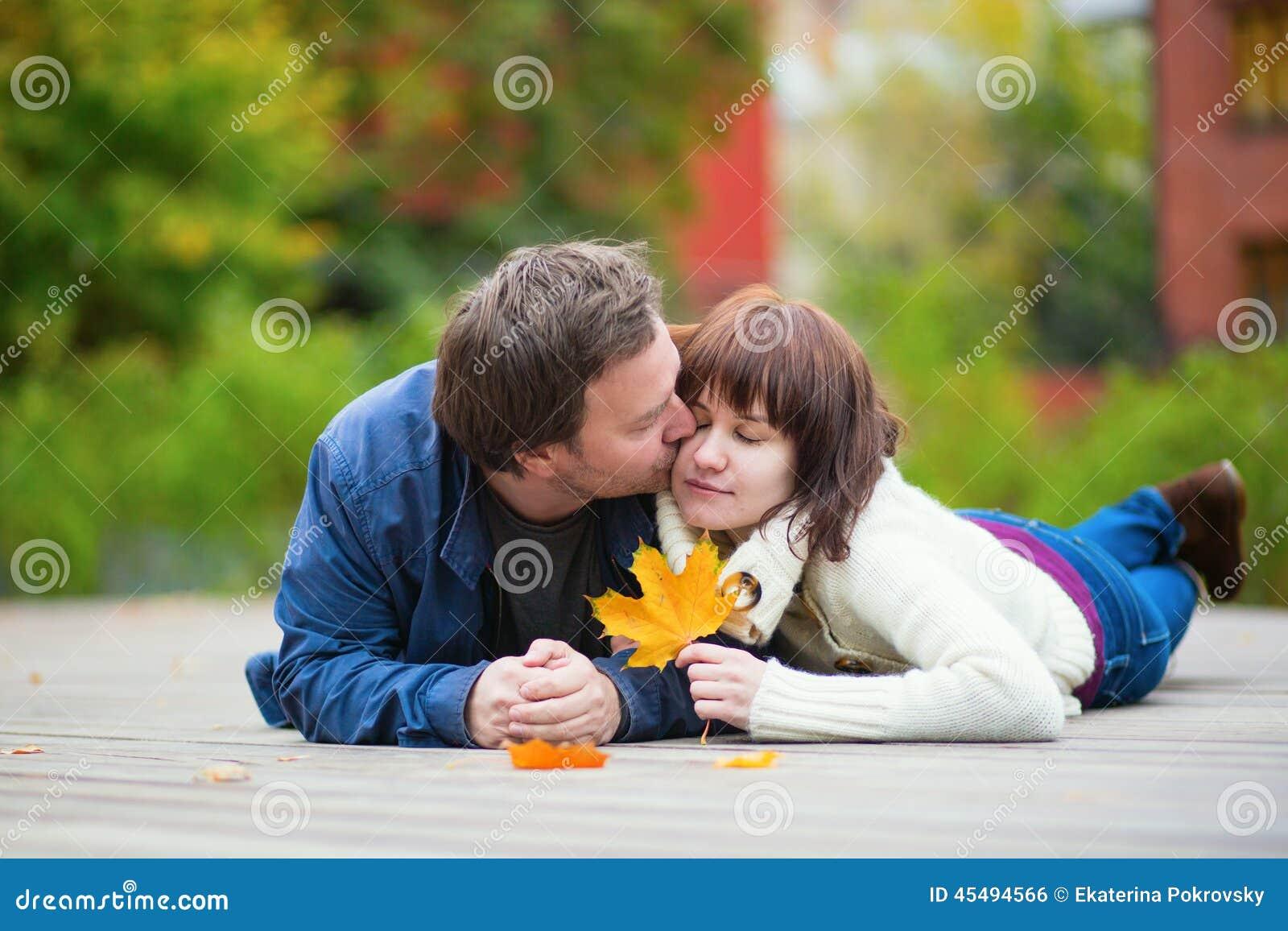浪漫夫妇在一秋天天