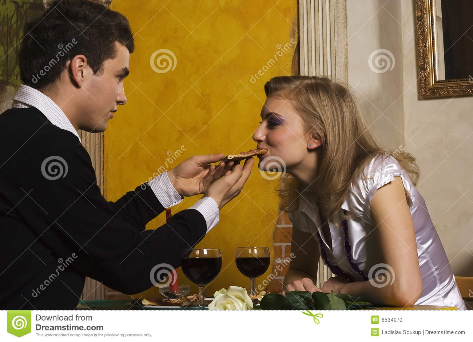 浪漫正餐的比萨店