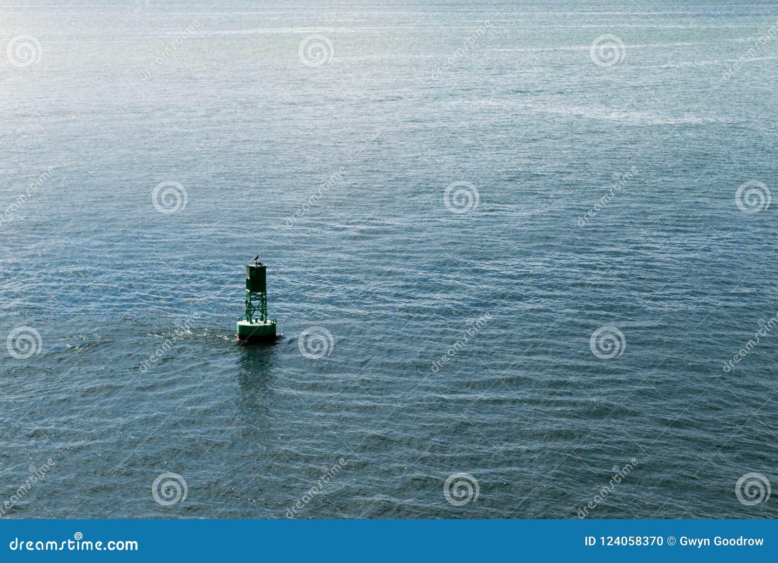 浮体在大西洋用水围拢了