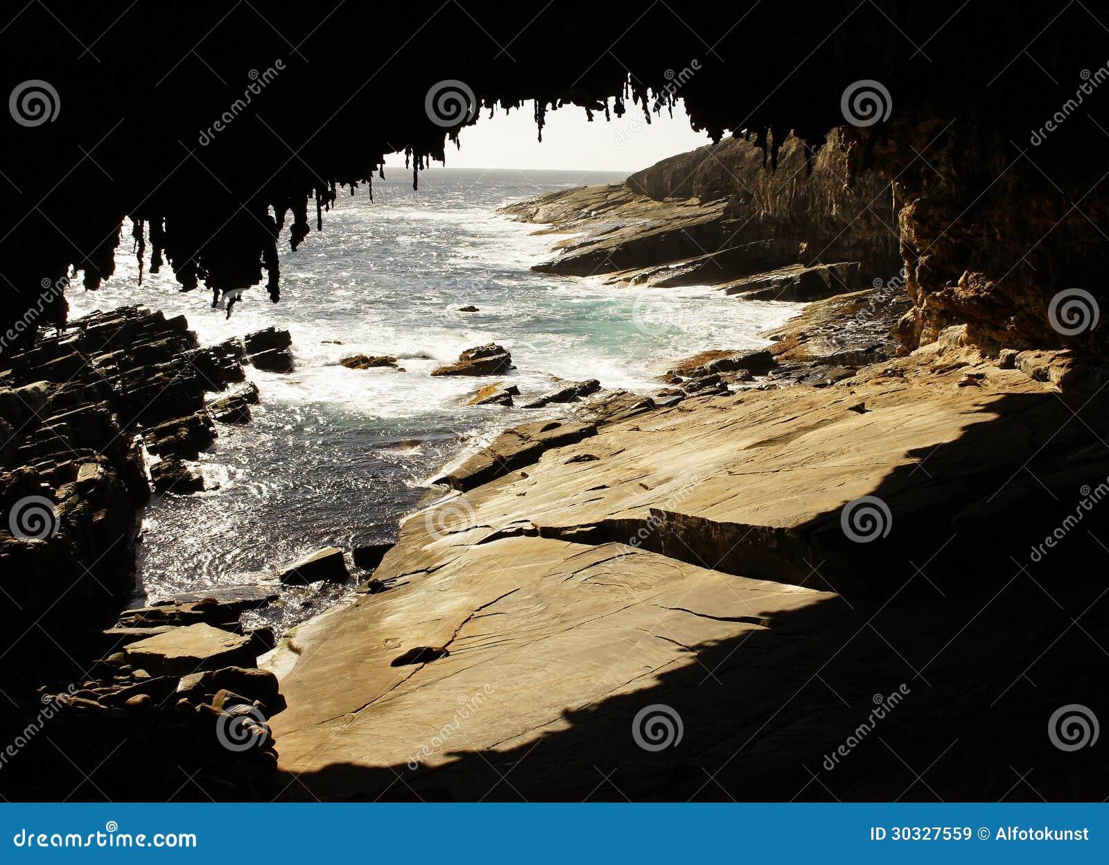 海军上将曲拱,澳大利亚