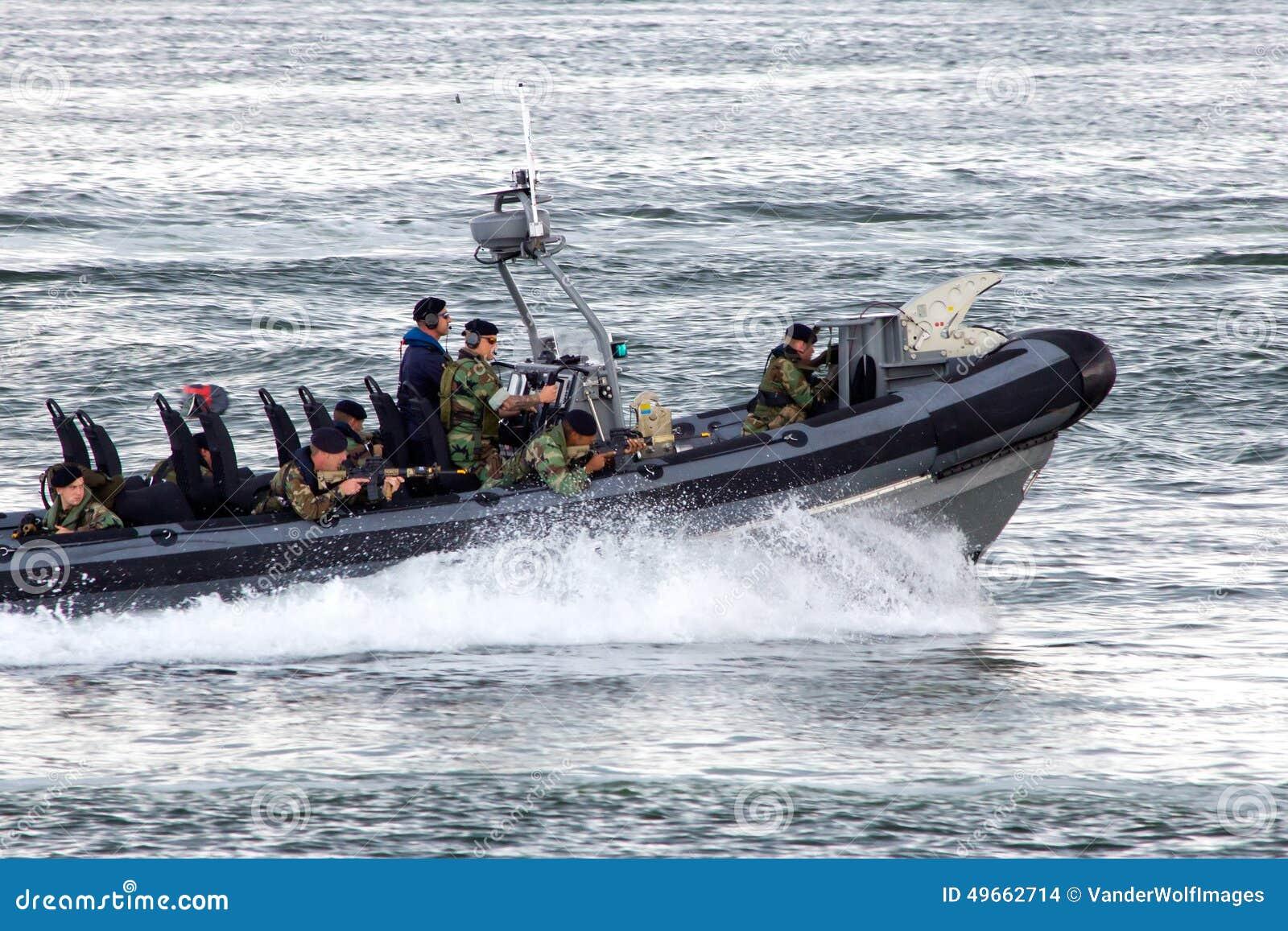 海军陆战队员愹��_海军陆战队员快艇