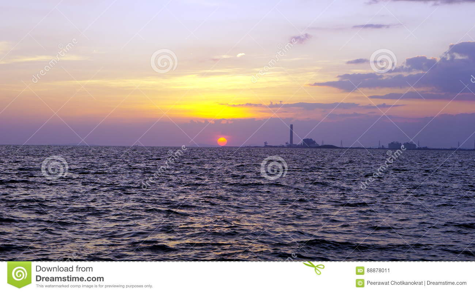 海和海岸线有工业看法
