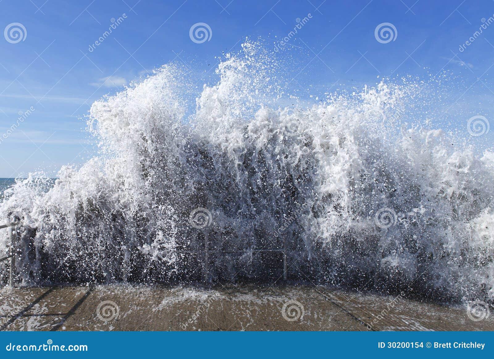 水海啸波浪