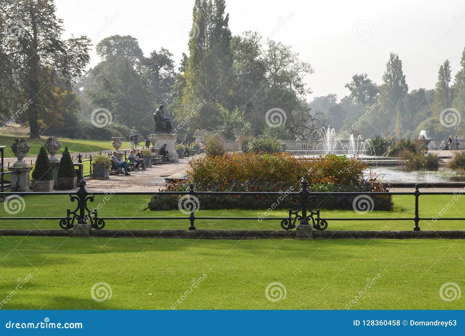 海德公园看法2014年9月20日的在伦敦,英国