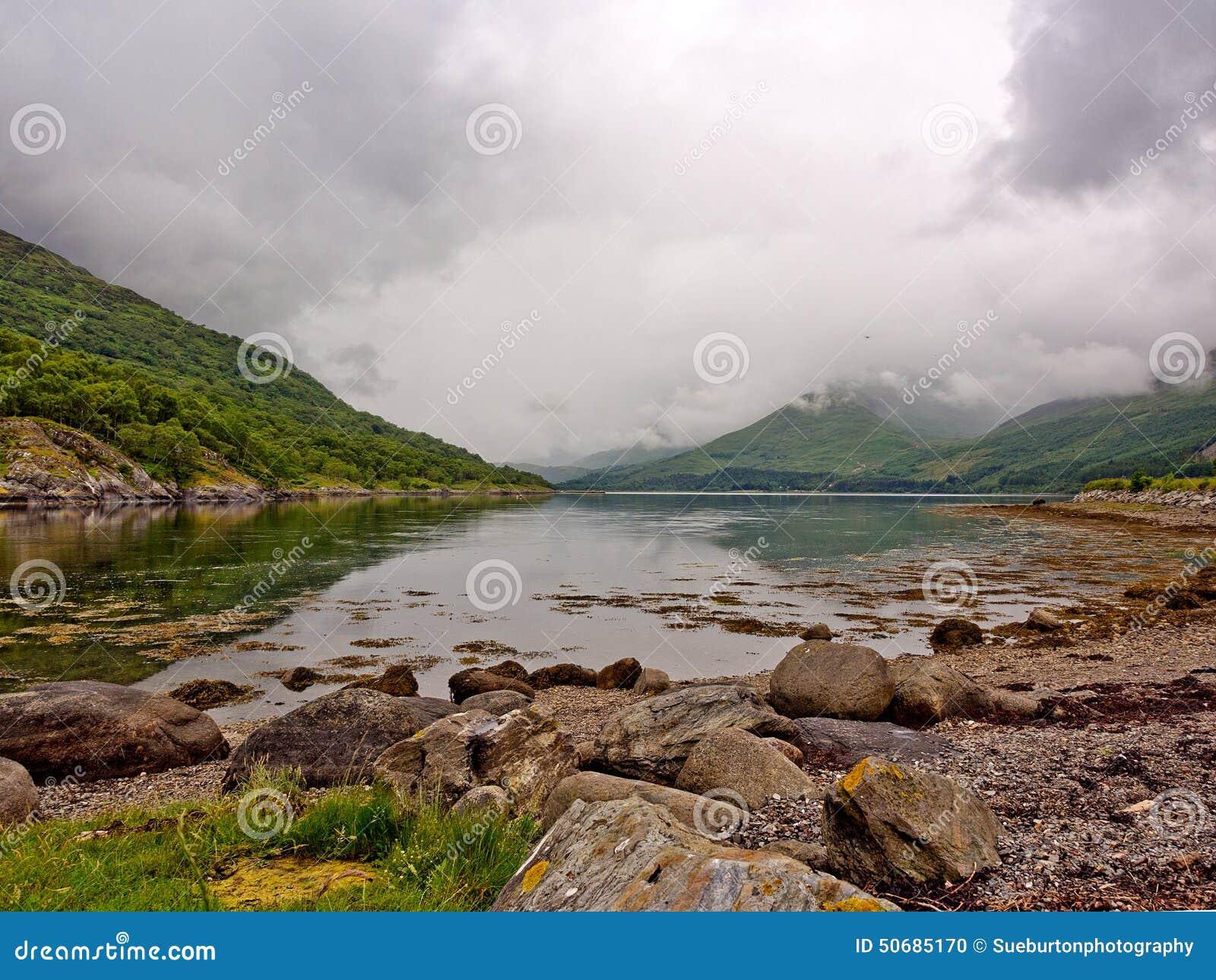 Download 海湾Creran 库存照片. 图片 包括有 岩石, 天空, ,并且, 风雨如磐, 海运, 苏格兰, 阴云密布 - 50685170