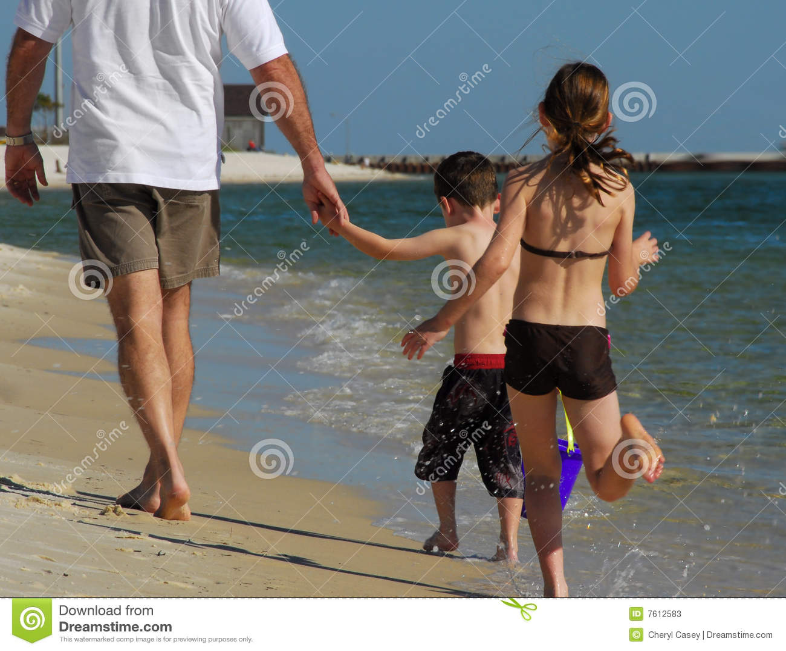 海滩儿童父亲