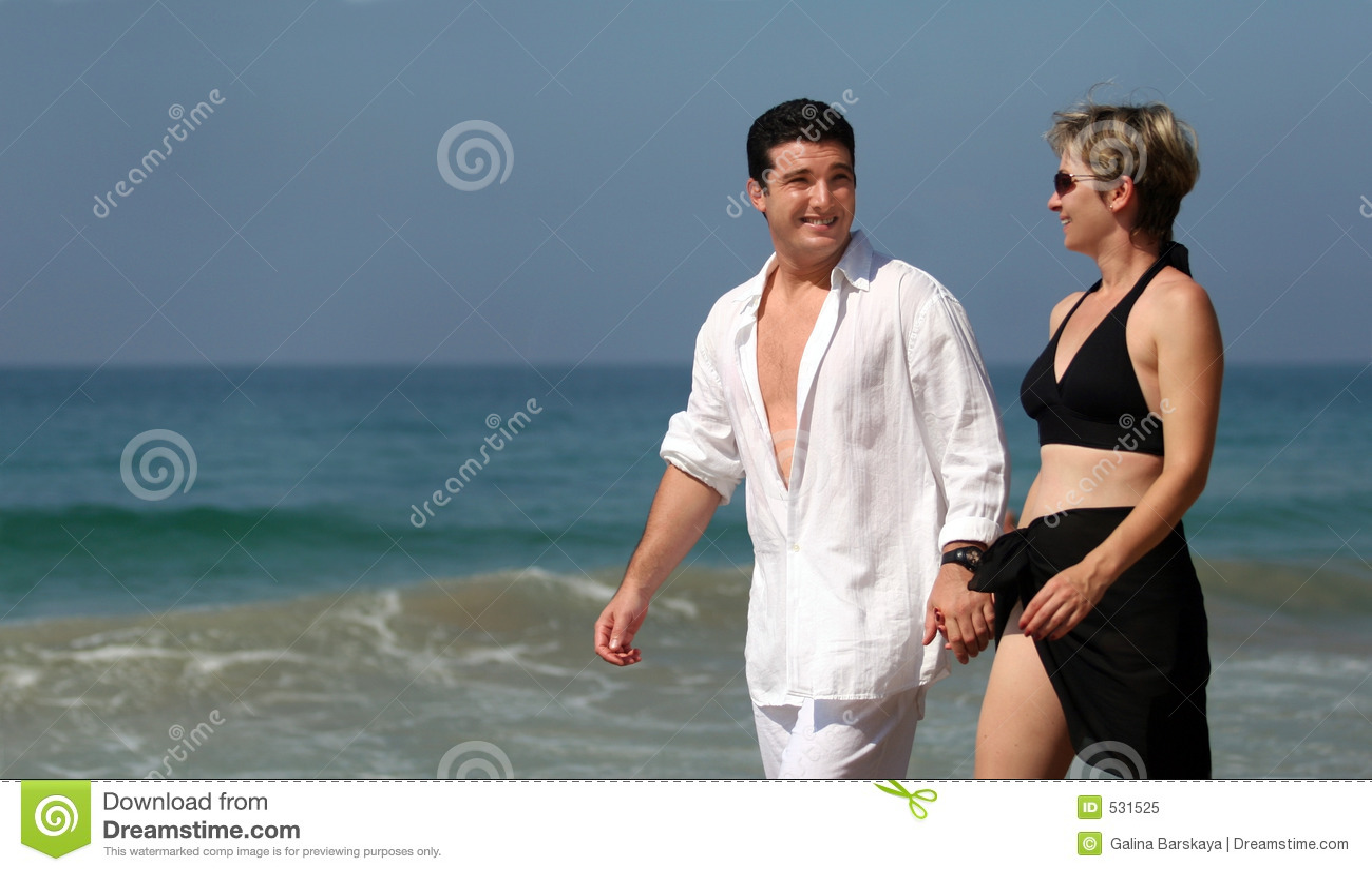 Download 海滩夫妇 库存图片. 图片 包括有 夏天, 言情, 性感, 女孩, 妇女, 热带, 人们, 假期, 旅行, 生活方式 - 531525
