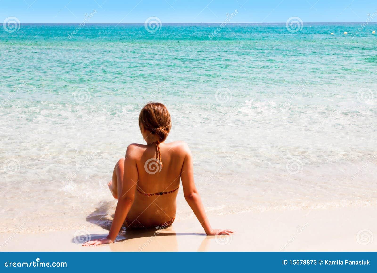 海滩女孩开会