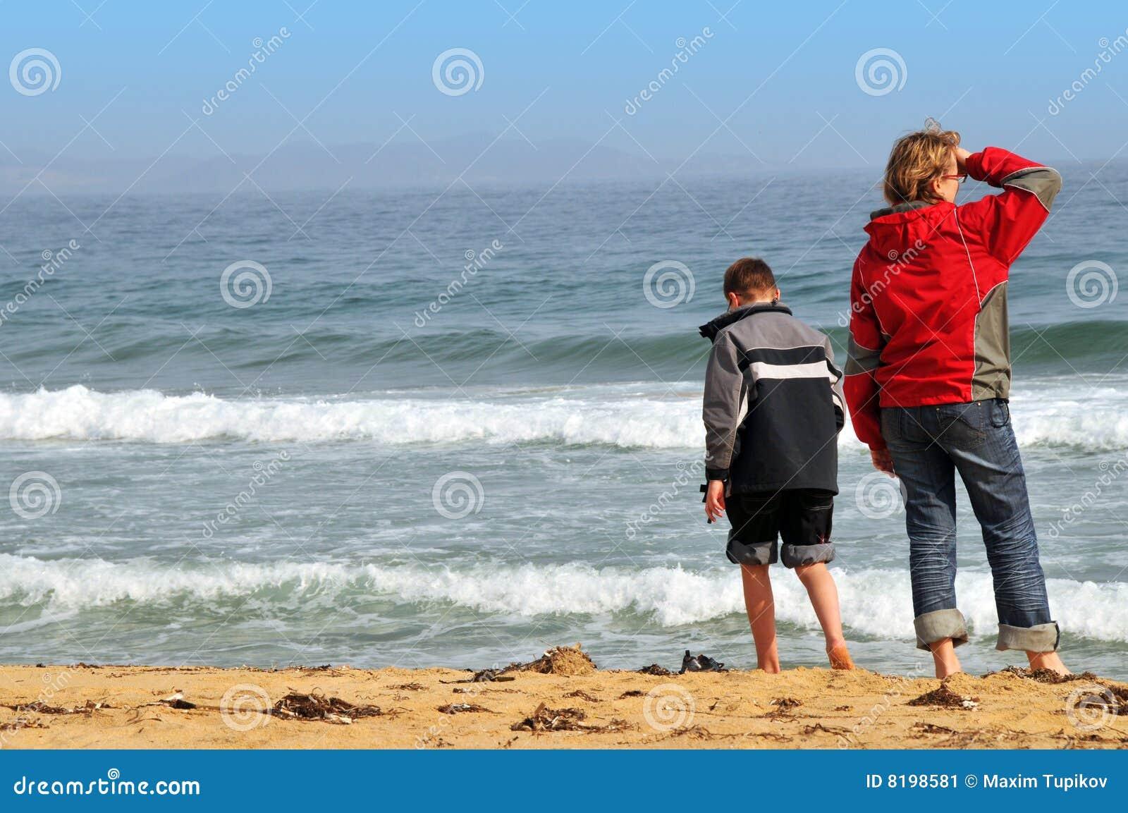 海滩海运春天少年