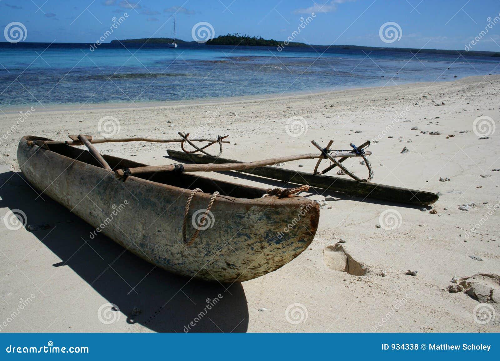 海滩独木舟玻利尼西亚人