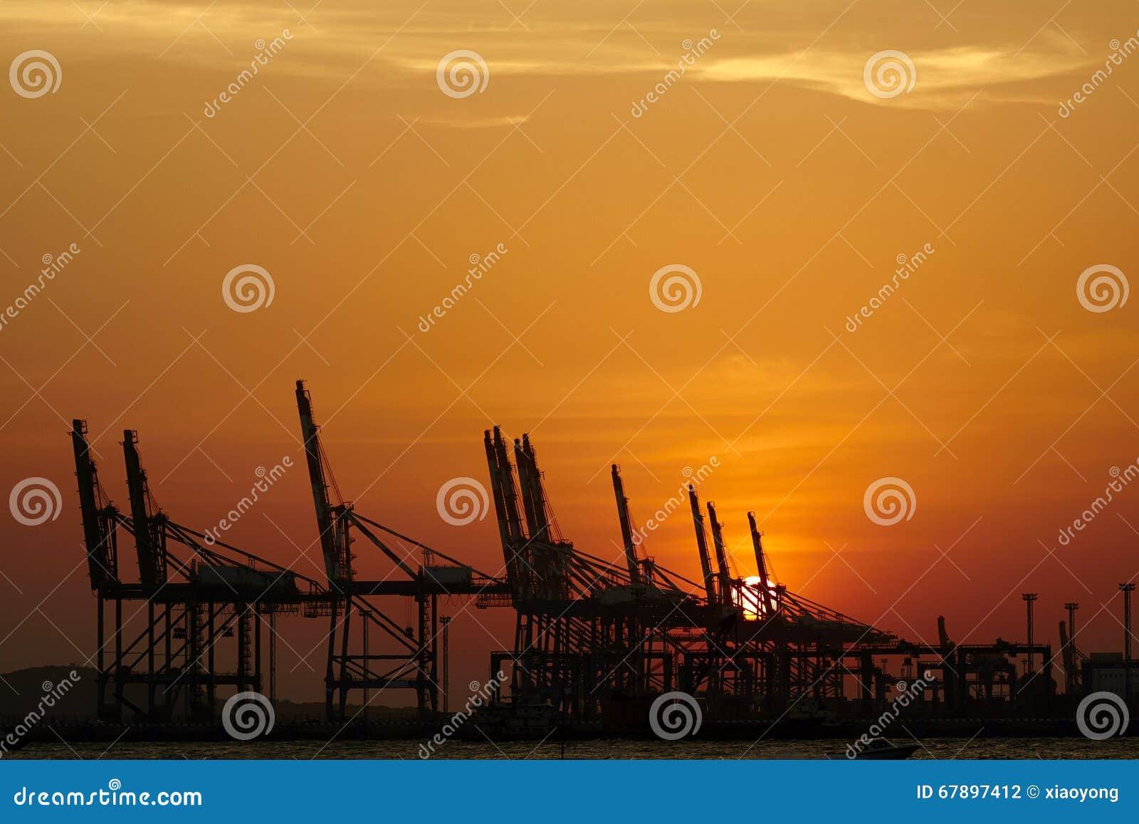 海石油钻井平台,日落