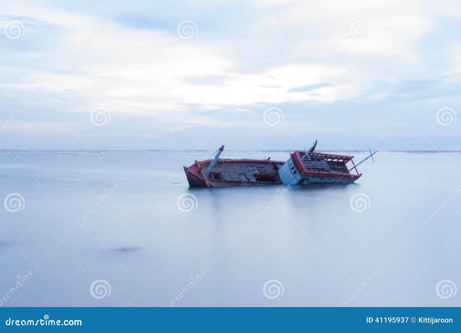 海难在白海库存图片. 图片包括有...