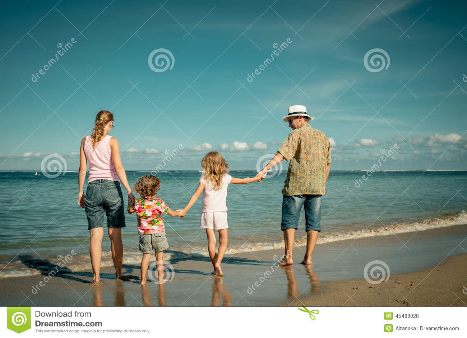 海滩系列愉快走