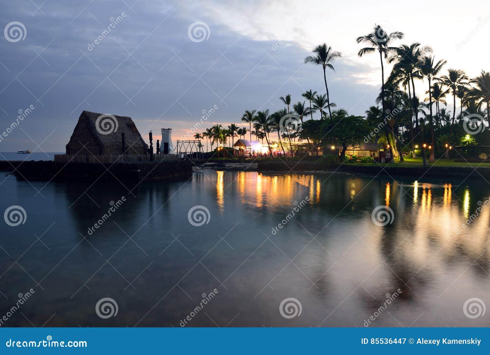 海滩夏威夷luau当事人日落
