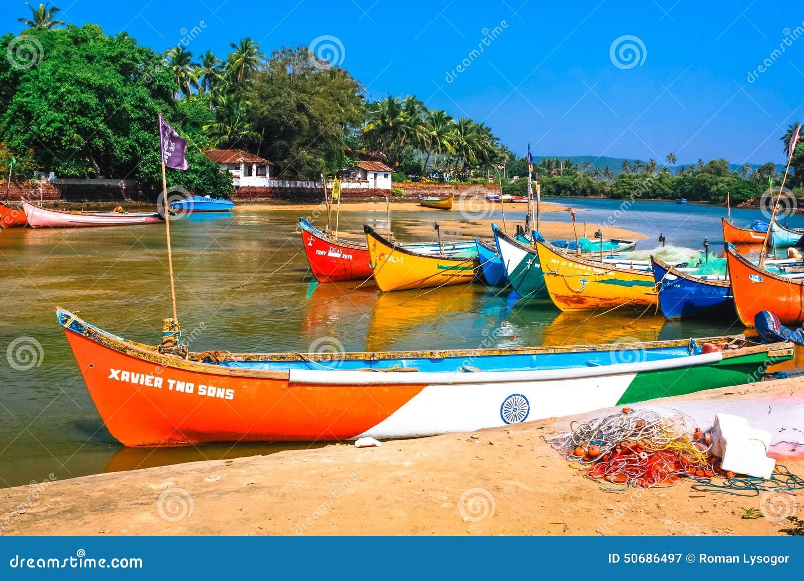 Download 海滩小船钓鱼 图库摄影片. 图片 包括有 渔网, 围网, 水平, 标志, 本质, 捕鱼, 没人, 旅行, 结构树 - 50686497