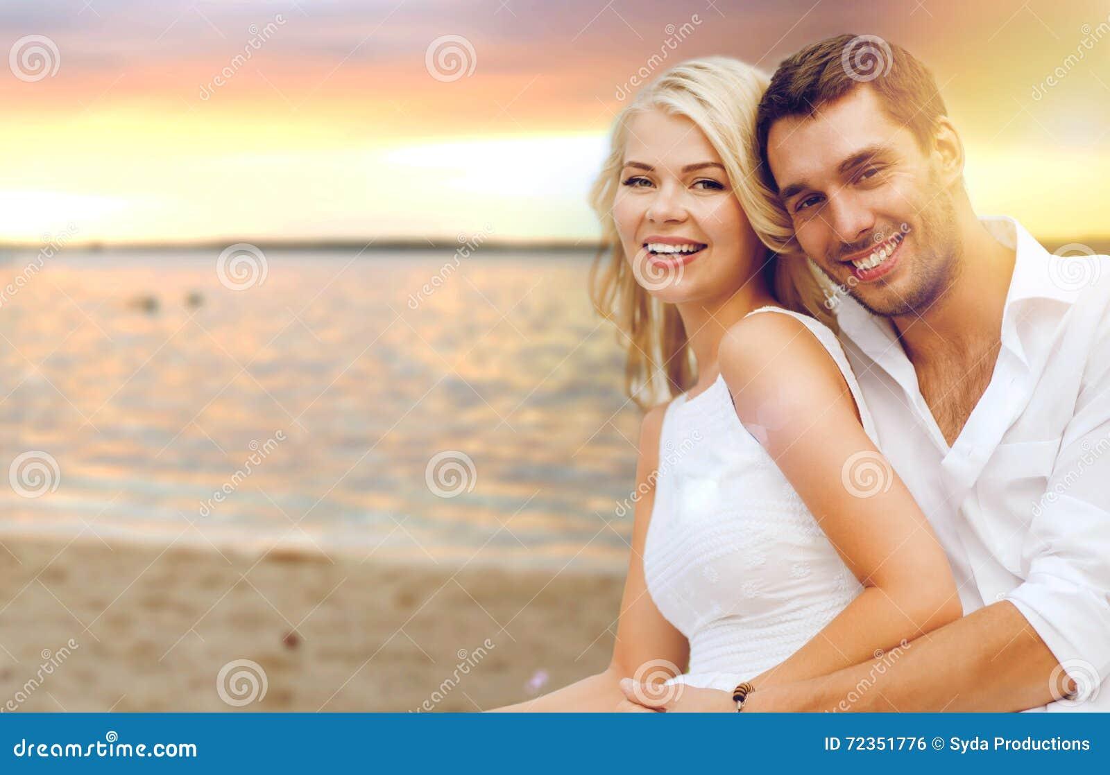 海滩有夫妇的乐趣