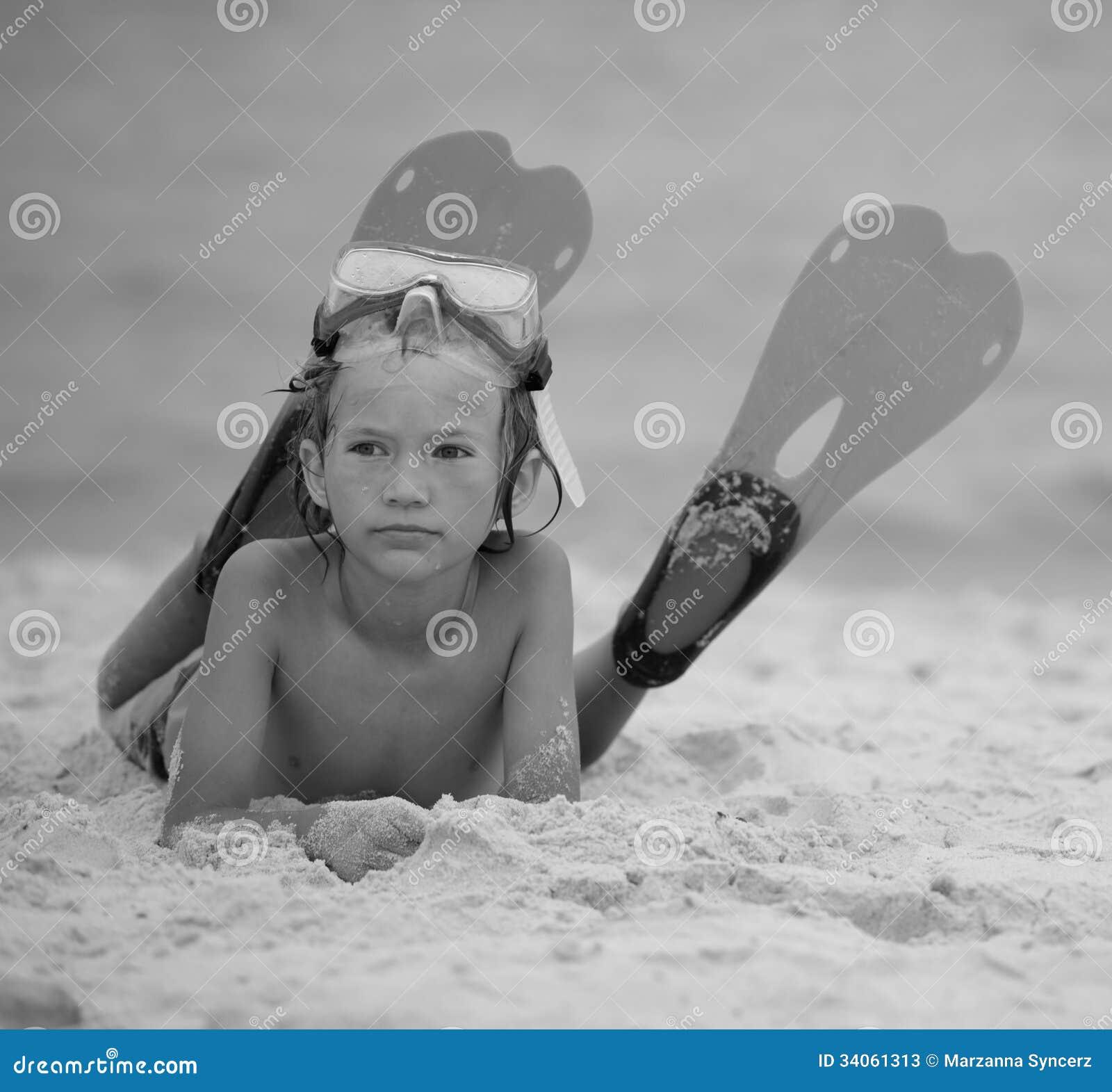 海滩的男孩