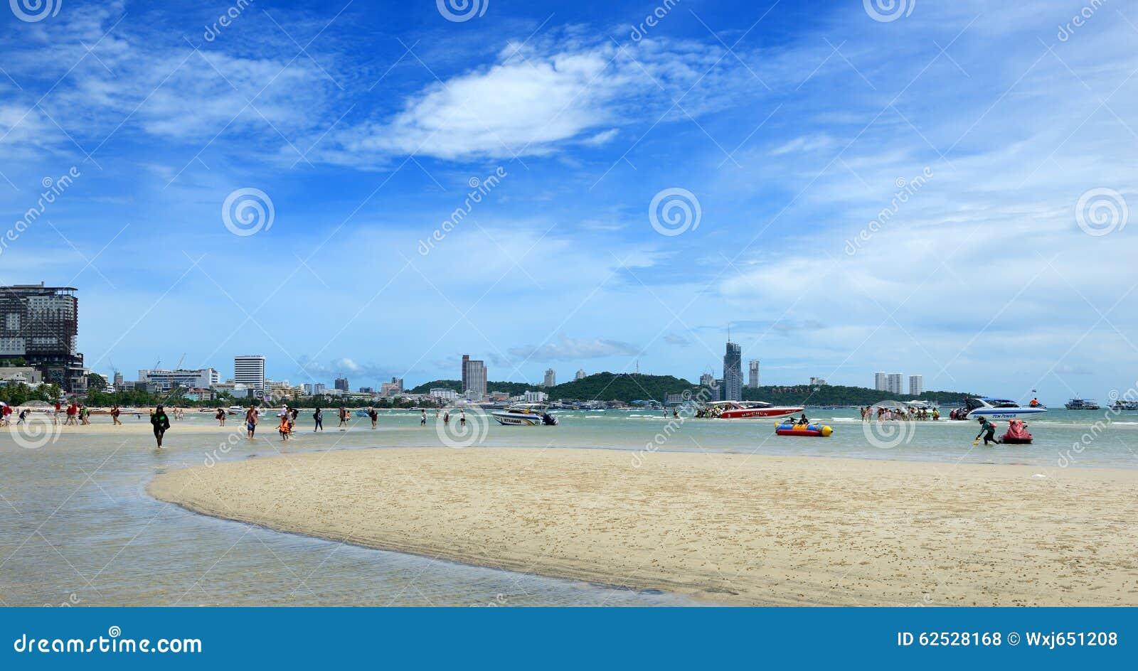 海滩pattaya泰国wongamart