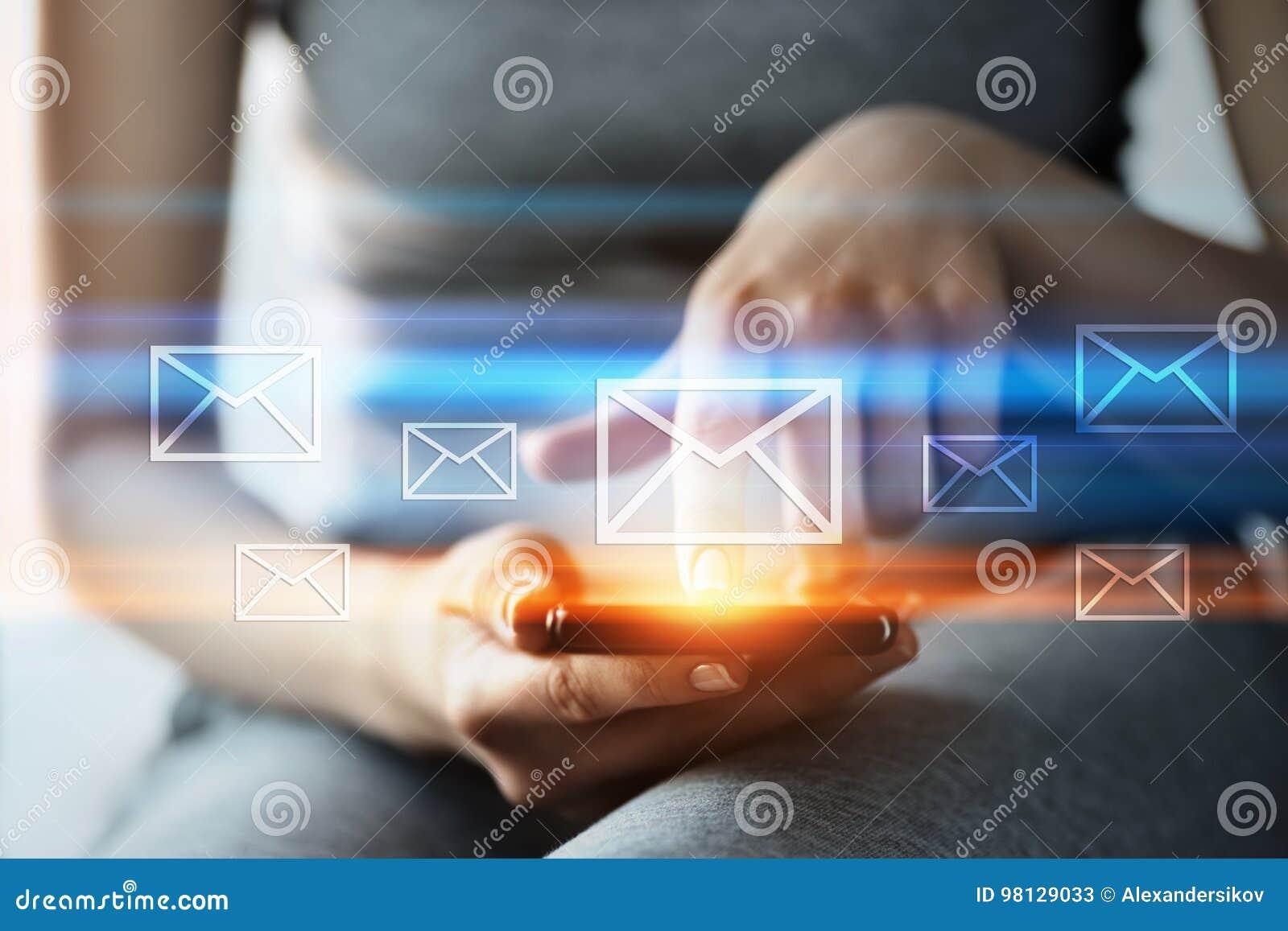 消息电子邮件邮件通信网上闲谈企业互联网技术网络概念