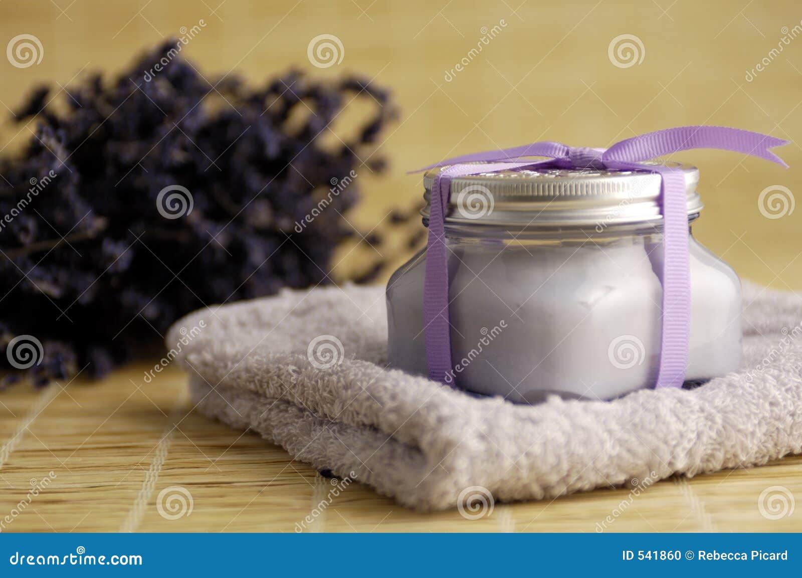 Download 淡紫色温泉处理 库存照片. 图片 包括有 香水, 整体, 草本, 毛巾, 内部, 肥皂, 豪华, 玻色子, 芬芳 - 541860