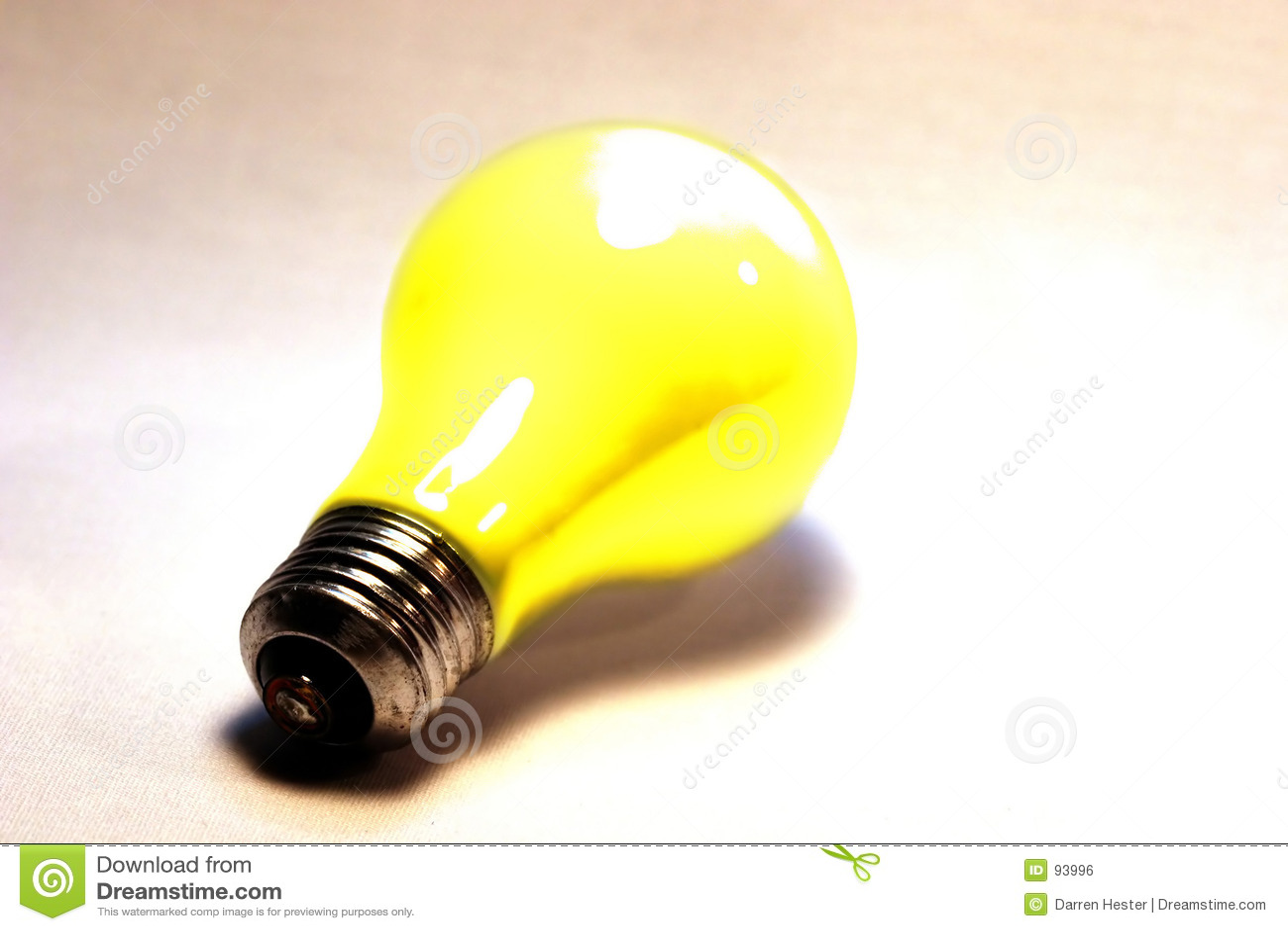 淡黄色的电灯泡