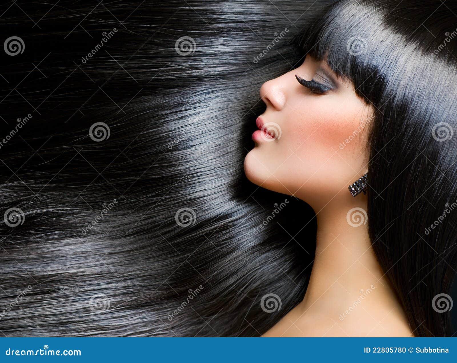 深色的女孩头发健康长