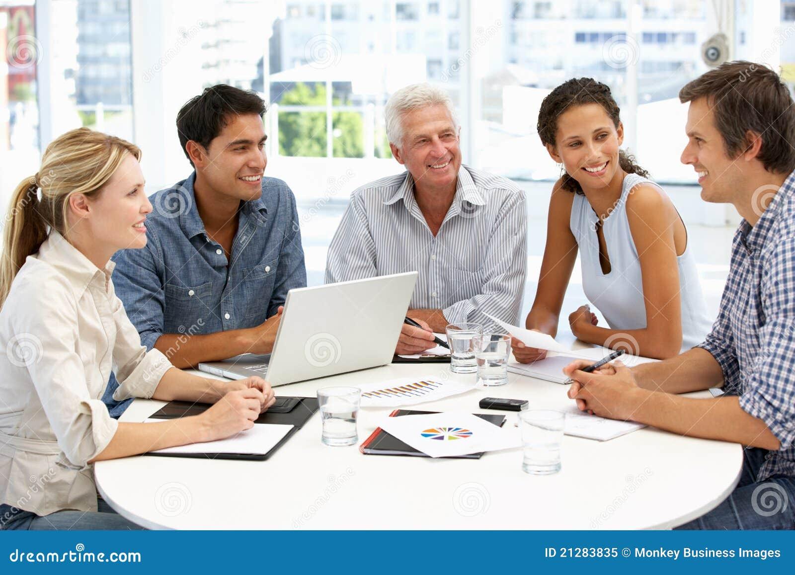 混合群在业务会议