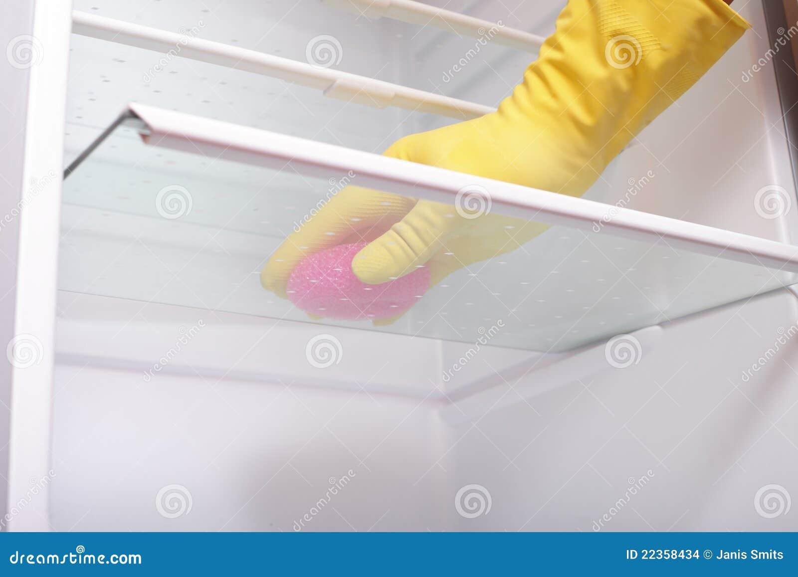 清洁现有量冰箱