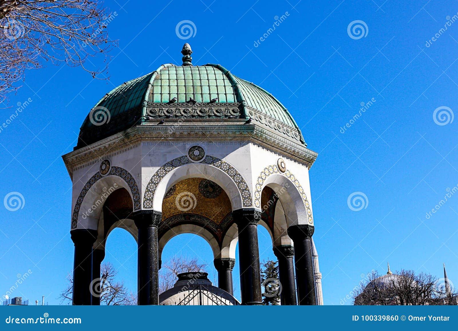 清真寺和蓝天