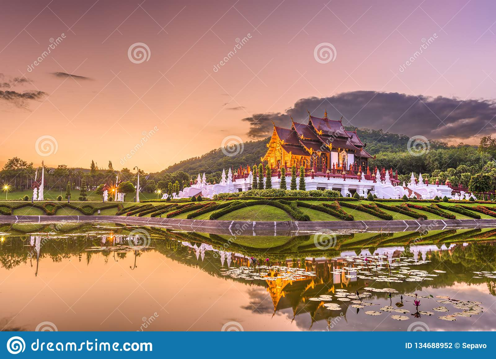清迈、泰国公园和亭子