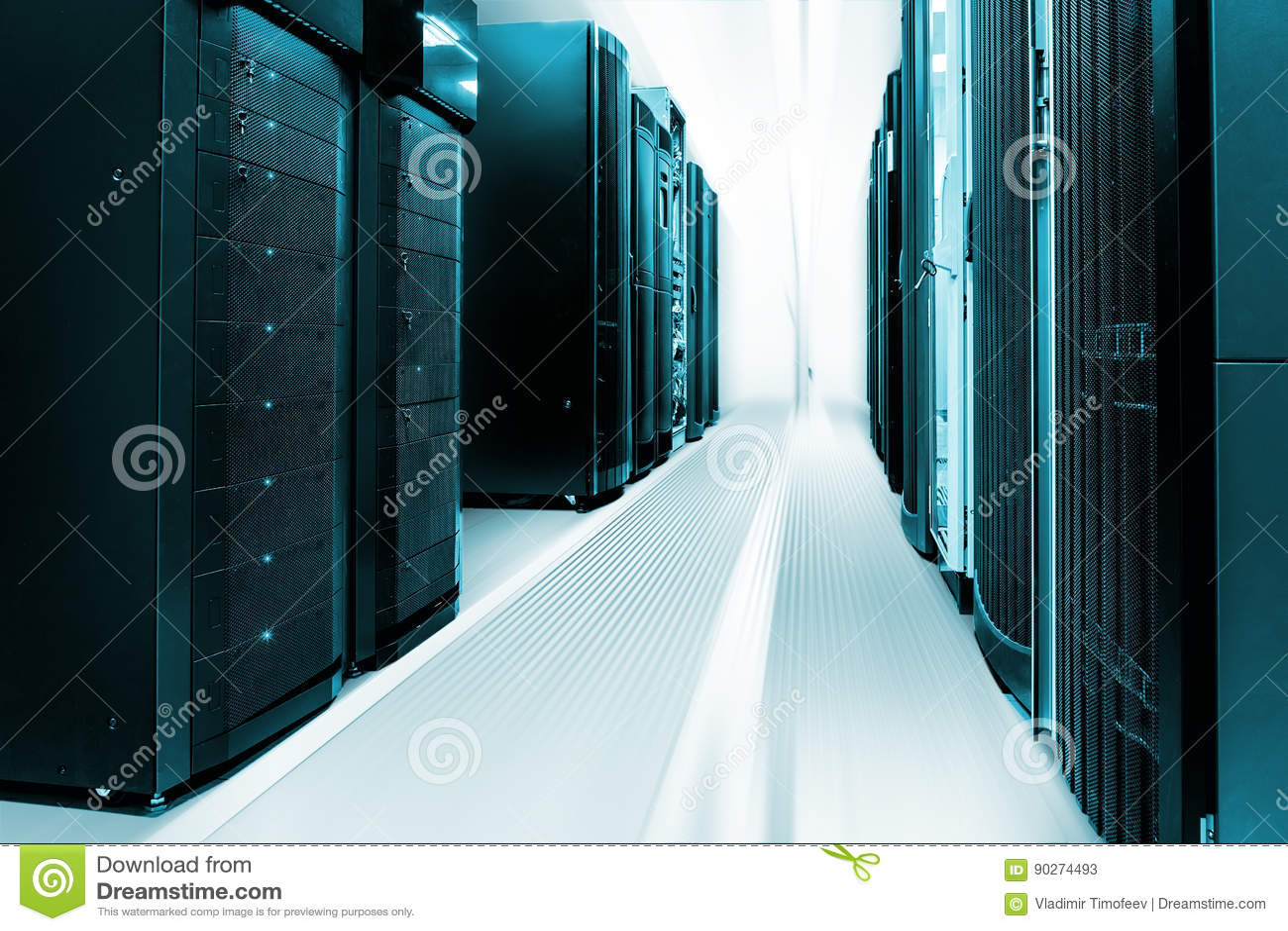 清洗服务器室工业内部与服务器