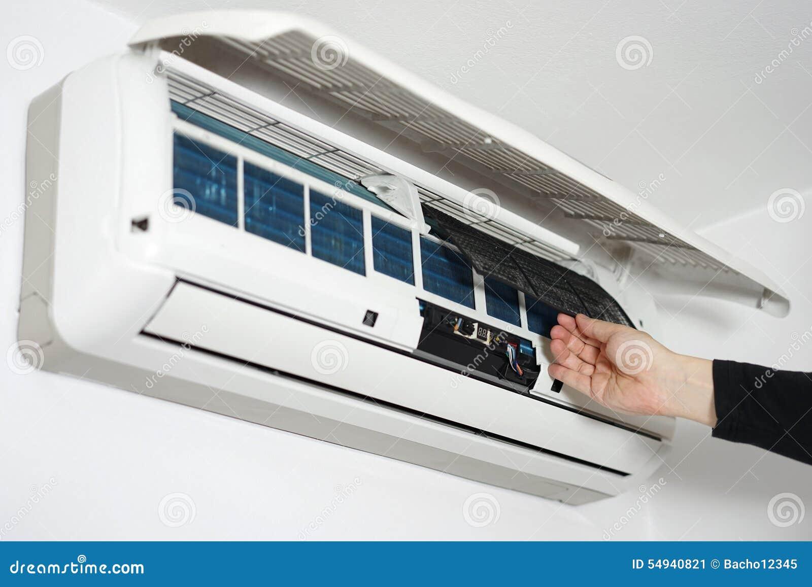 清洗的和维护的家庭空调