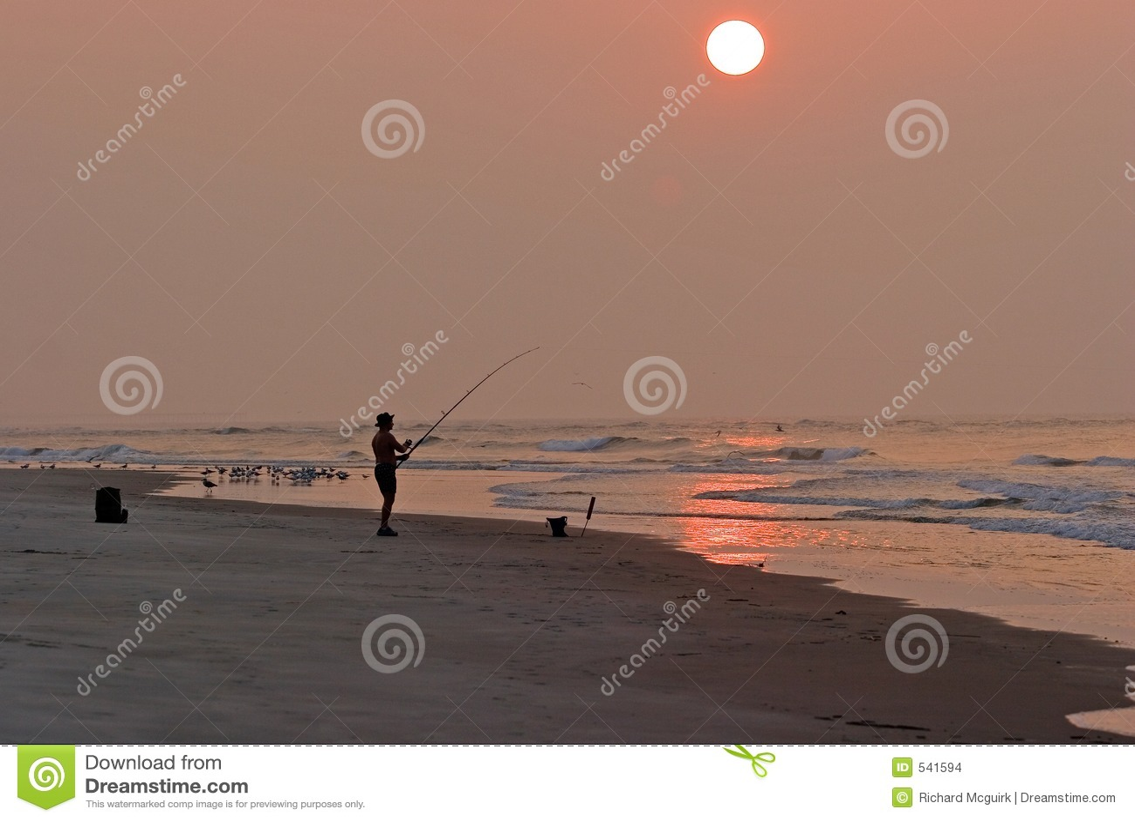 Download 渔夫 库存照片. 图片 包括有 横向, 夏天, 人员, 齿轮, 节假日, 转换, 沙子, 有角, 复制, 海岸 - 541594