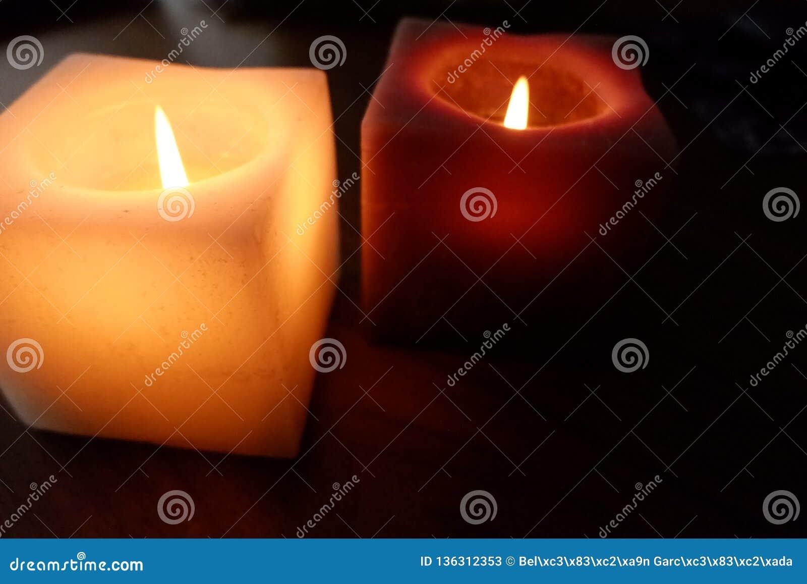 温暖的照明的蜡烛