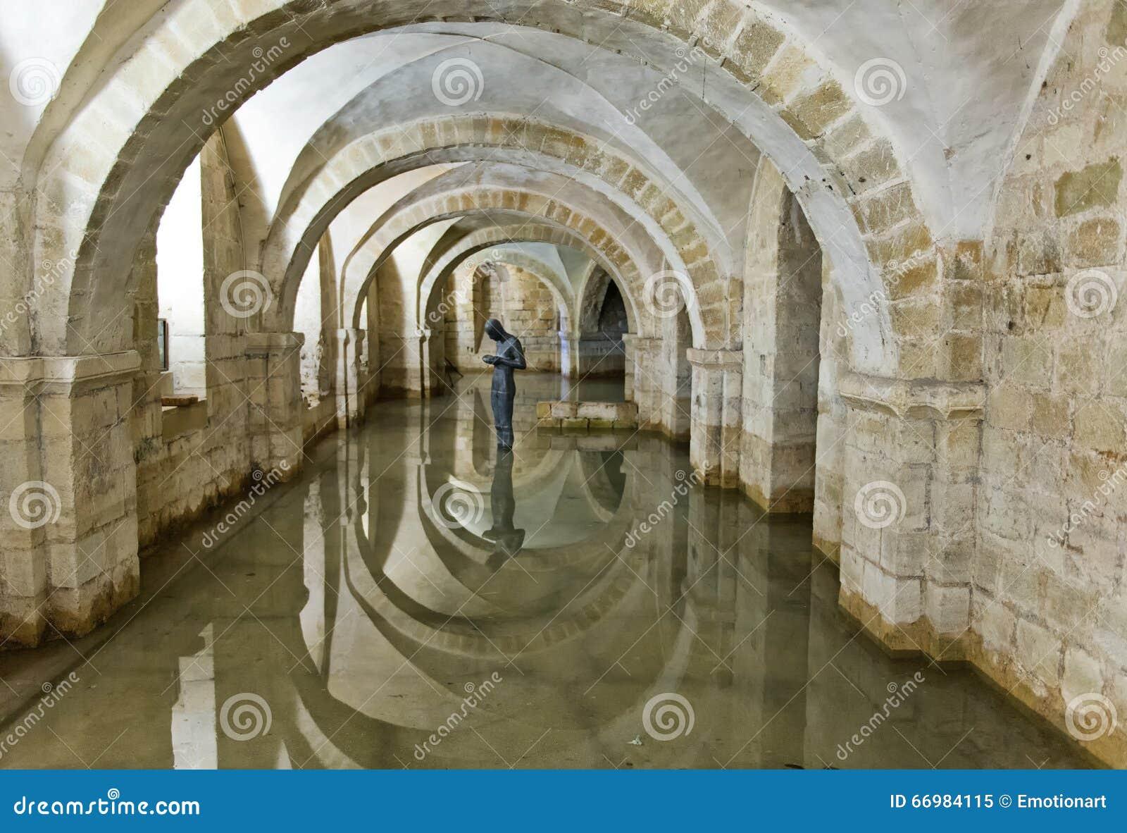 温彻斯特大教堂,英国被充斥的土窖