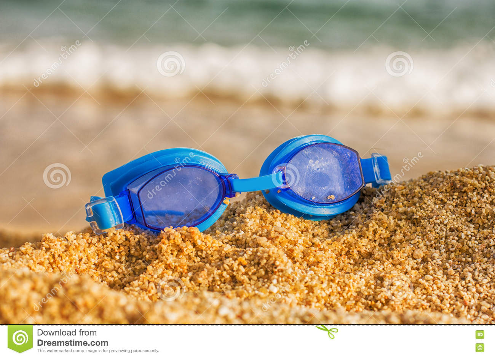 游泳风镜海滩