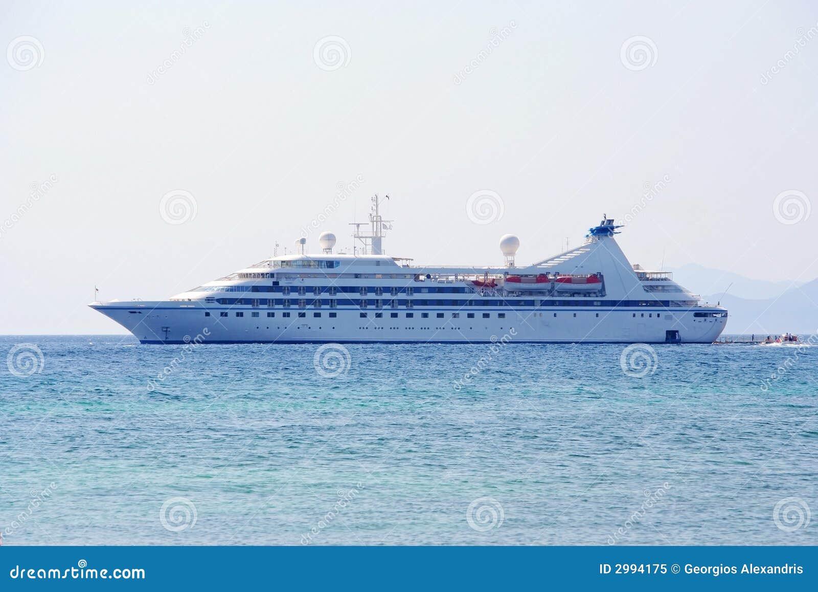 停住的巡航希腊大monemvasia船水.