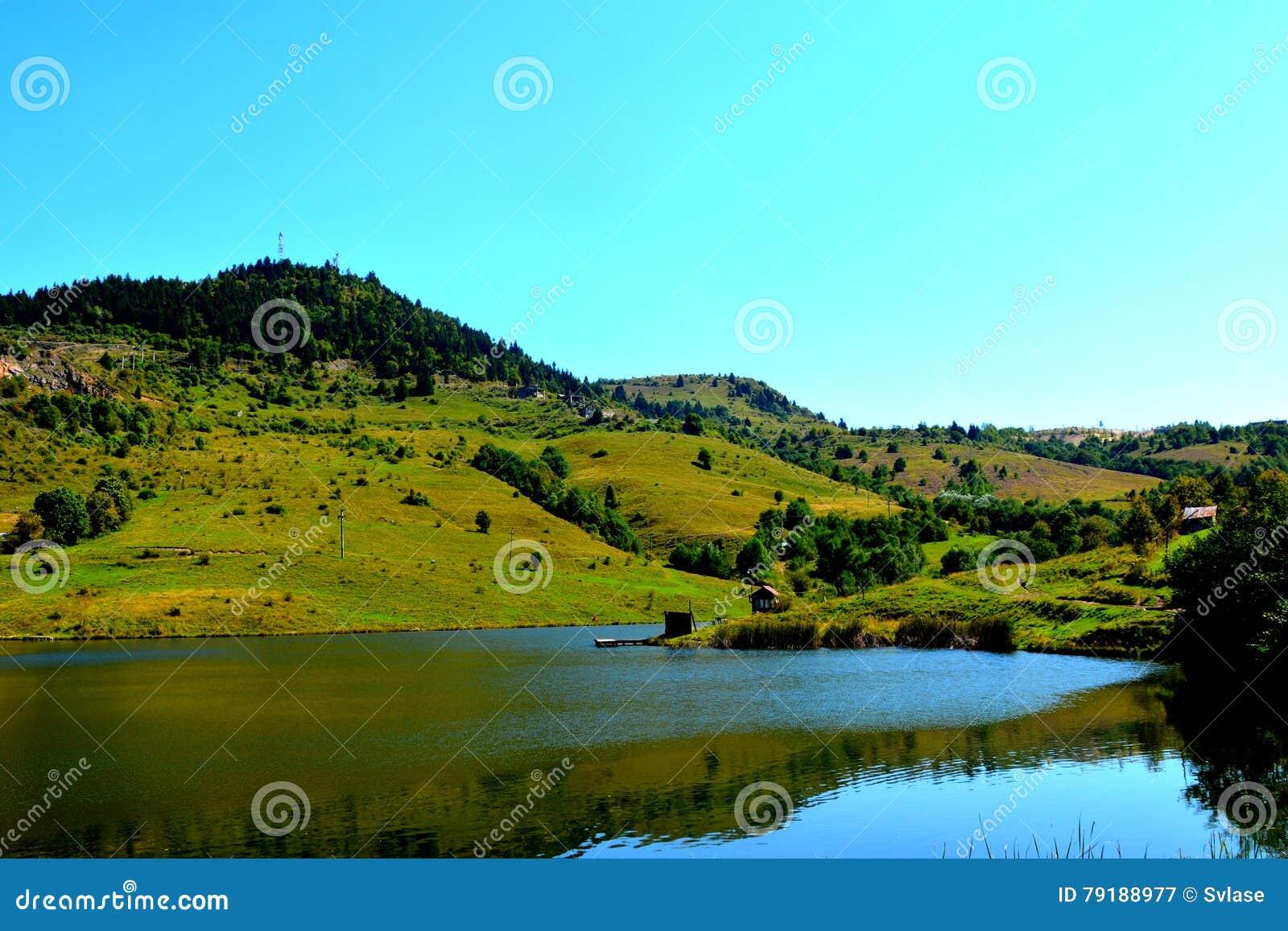 湖和landcsape在罗希亚蒙塔讷, Apuseni山