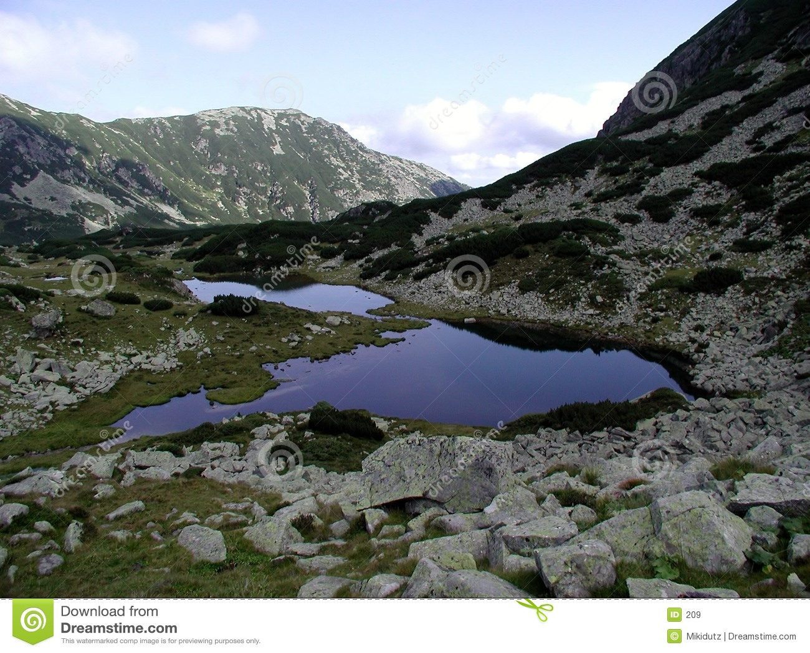 湖pietricelele