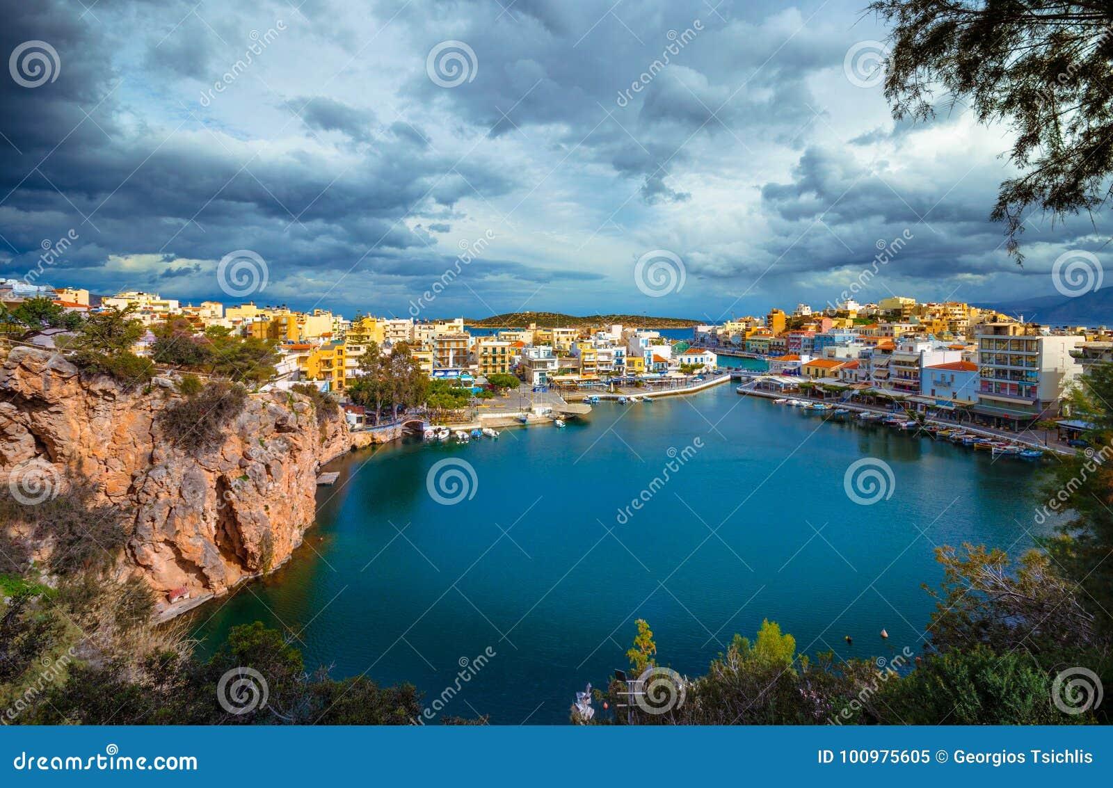 湖Voulismeni在贴水帕帕佐普洛斯,克利特,希腊