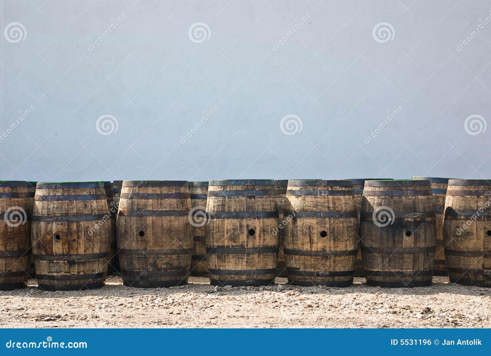 滚磨威士忌酒