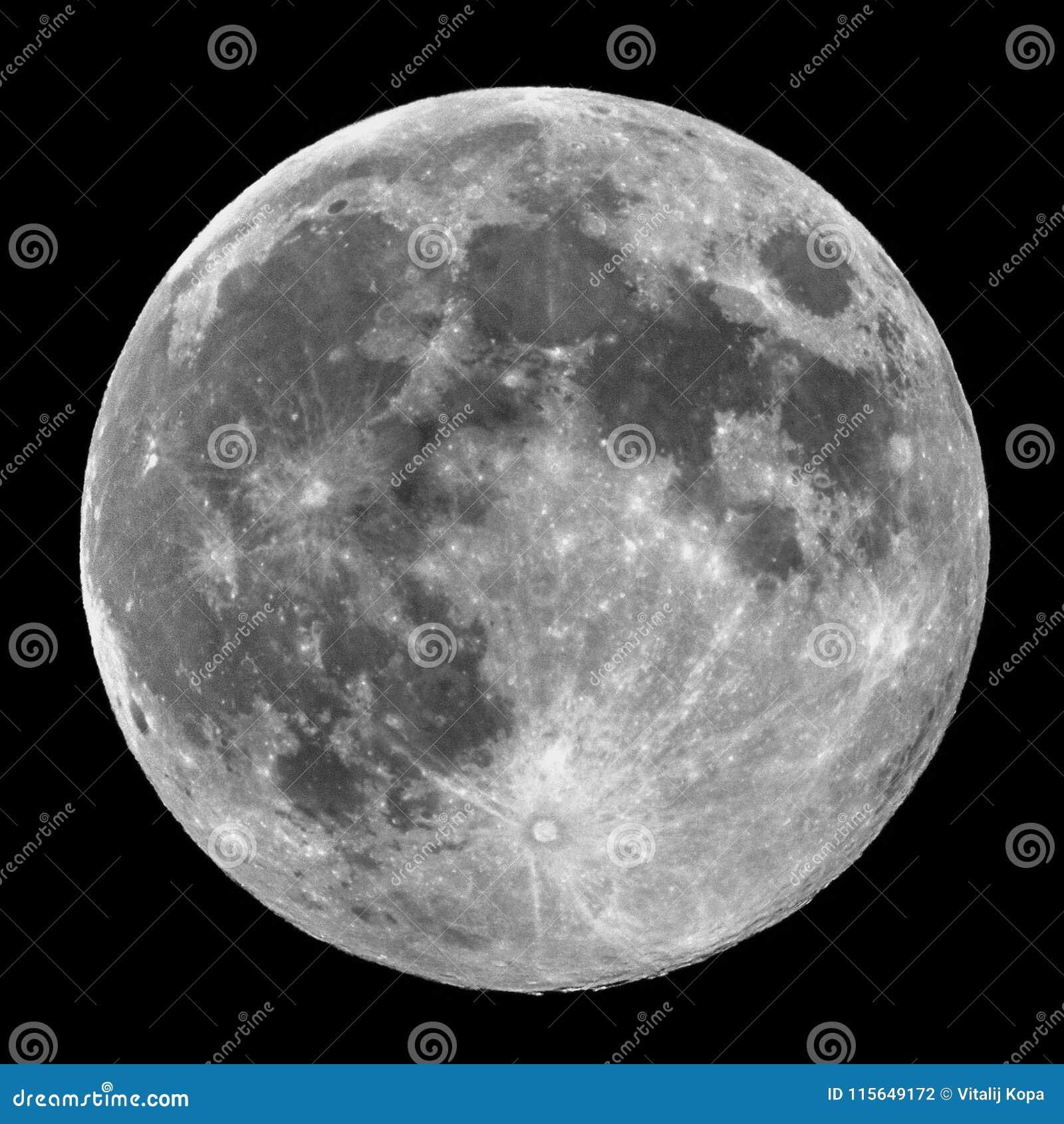 满月细节和火山口观察