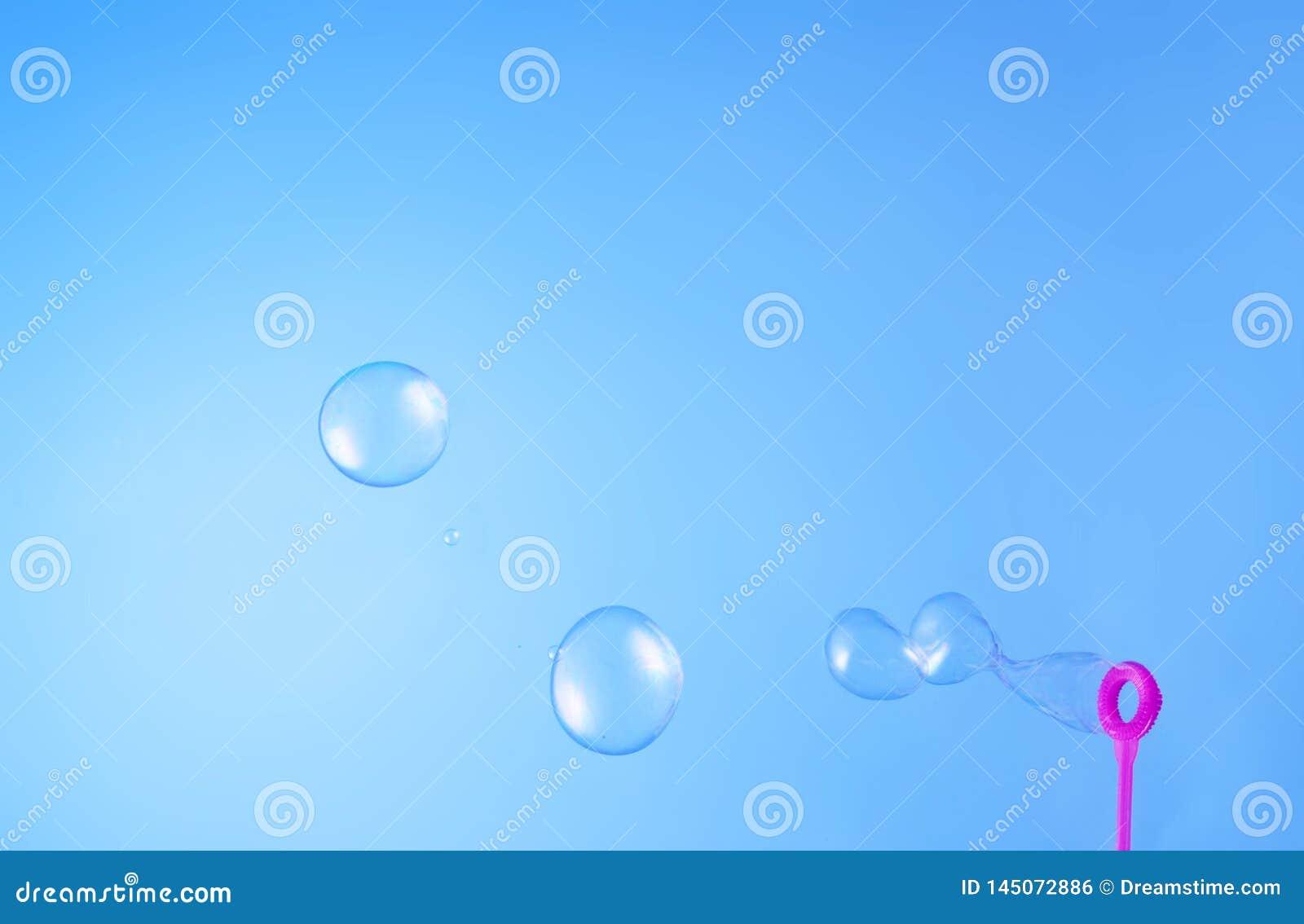 漂浮在空气的肥皂泡