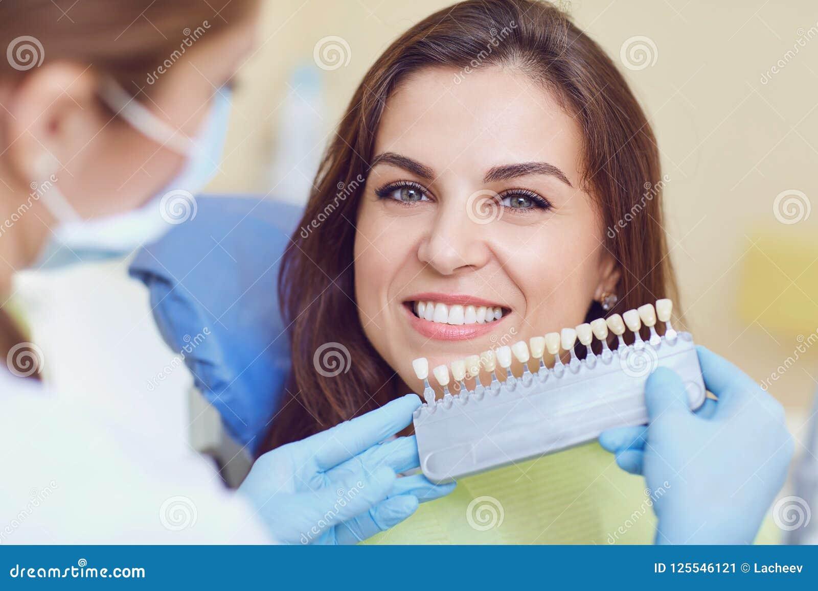 漂白牙齿诊所的牙
