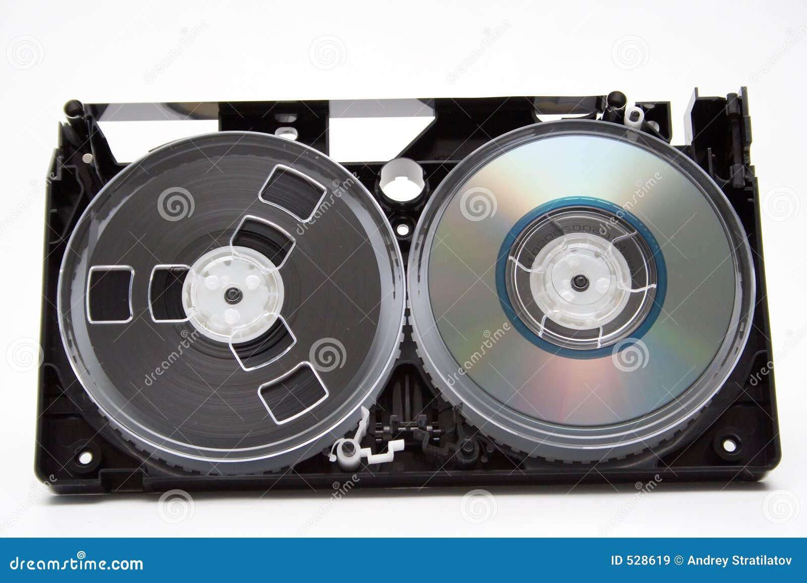 Download 演变 库存图片. 图片 包括有 字节, 数字式, 影片, 空白的, 媒体, 过时, 光盘, 文件, 十亿字节 - 528619