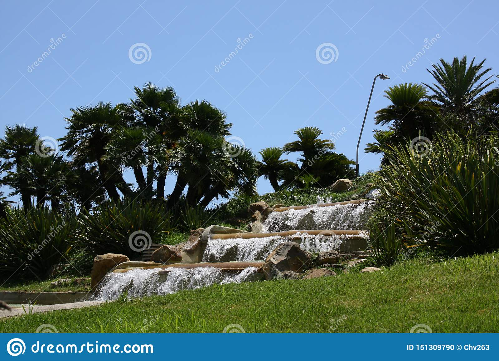 瀑布在一个公园